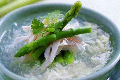 Sup Mang Tay Cua – Köstliche Krabben-Spargel-Suppe